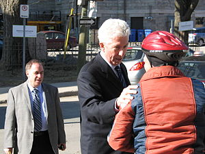 Gilles Duceppe - Gilles Duceppe discussing with a voter during the 2011 federal election campaign.