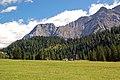 Ehrwalder Alm (04) - Hochplateau vor dem Zugspitzmassiv - Flickr - Pixelteufel.jpg