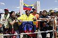 El pueblo venezolano acompañó los restos de su presidente Hugo Chávez Frías en la Academia Militar (8540712684).jpg