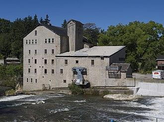 Elora, Ontario - Image: Elora Mill 2014