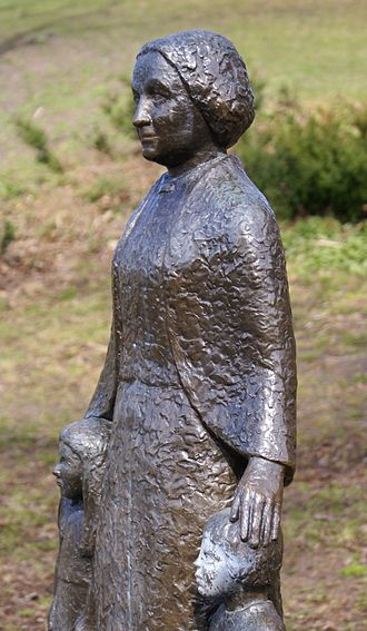Elsa Borg - Elsa Borg (bronze, 1972) statue by Astri Taube, in Södermalm, Vitabergsparken, Stockholm