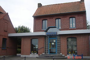 Emerchicourt - Mairie.JPG