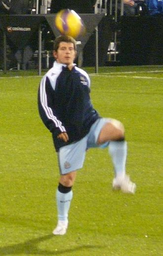 Emre Belözoğlu -  Belözoğlu during training with Newcastle United