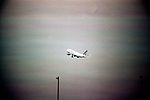 Envol d'un Airbus A300 d'Air France.jpg