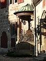 Esslingen am Neckar - Kessler-Haus - Renaissance-Brunnen von SW.jpg