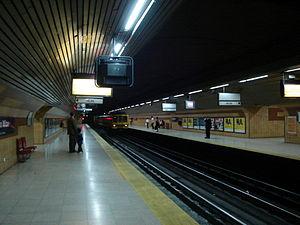 Emilio Mitre (Buenos Aires Underground) - Image: Estación Emilio Mitre (2)