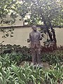 Estatua jardín Coyoacán.jpg