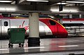 Euston station MMB 96 390034.jpg