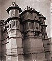 Exterior view of corner pavilions of the City Palace, Udaipur.jpg
