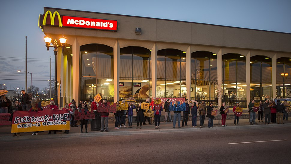 Fast food workers on strike for higher minimum wage and better benefits (26398607316)