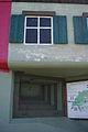 Fausse fenêtre et ouverture pour mitrailleuse au fort de Pré-Giroud 18-08-2012.JPG