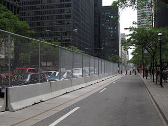 2010 G20 Toronto summit - Security fencing erected along the middle of Wellington Street