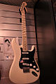 Fender Stratocaster Billy Corgan signature, Salon de la Musique et du Son 2008.jpg
