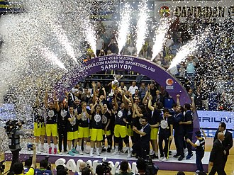 Fenerbahçe Women's Basketball - 2017–18 Turkish Women's Basketball League championship ceremony
