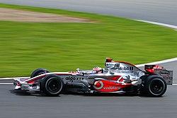 Fernando Alonso en el Gran Premio del Reino Unido de 2007, circuito de Silverstone