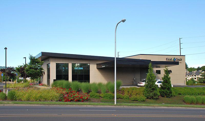 File:First Tech Credit Union - Tanasbourne branch.jpg ...