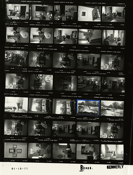 File:Ford B2823 NLGRF photo contact sheet (1977-01-18)(Gerald Ford Library).jpg