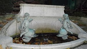 Julius Elias, 1st Viscount Southwood - Memorial fountain in the churchyard of St James's Church, Piccadilly