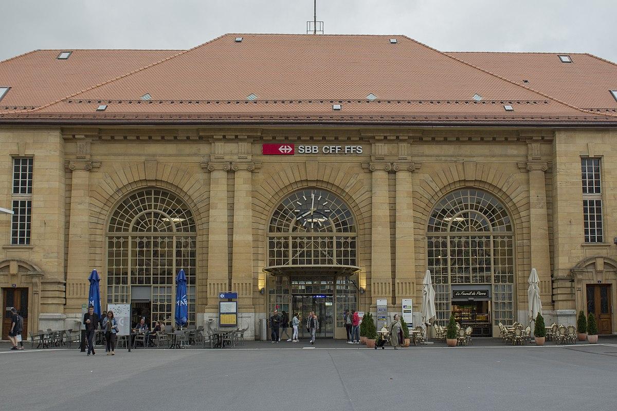 Gare de la chaux de fonds wikip dia for Garage de la gare bretigny