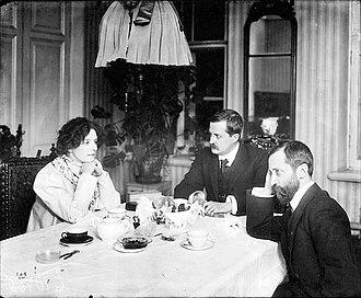 Dmitry Merezhkovsky - Gippius, Filosofov and Merezhkovsky. Warsaw, 1920