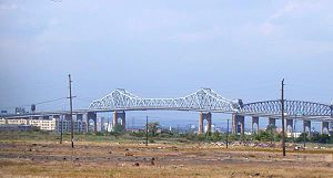 English: Goethals Bridge, as seen from northwe...