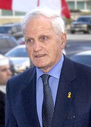 Gordon O'Connor - Image: Gordon O'Connor with Robert Gates, Jan 23, 2007, cropped