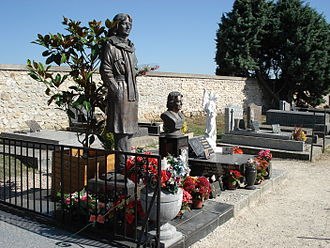 Claude François - Claude François burial site in Dannemois, Essonne, south of Paris