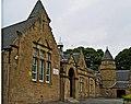 Grim Gravitas primary school, Linlithgow. - panoramio.jpg