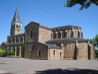 Gueugnon (Saône-et-Loire, Fr) l'église.JPG