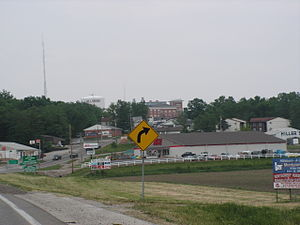 Hillsboro, Illinois - Entering from the northwest on Illinois Route 16