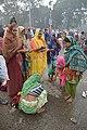 Hindu Devotees Pray To Ganga With Candlelight - Makar Sankranti Observance - Baje Kadamtala Ghat - Kolkata 2018-01-14 6677.JPG
