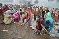 Hindu Devotees Preparing Surya Puja - Makar Sankranti Observance - Kolkata 2018-01-14 6583.JPG