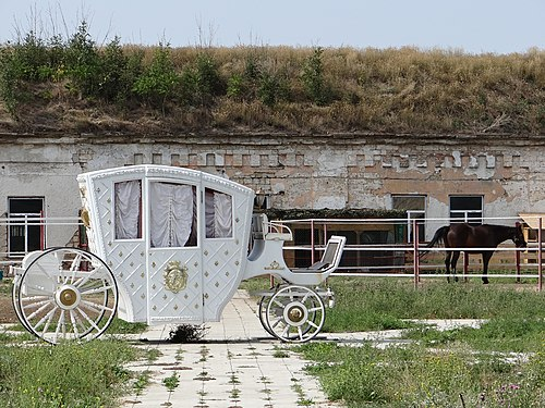 Horse and carriage at Bender Fortress Horse and Carriage - Bendery Fortress - Bendery - Transnistria (36032560843).jpg