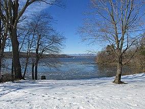 Hudson River, Mills State Park, Staatsburg NY.jpg