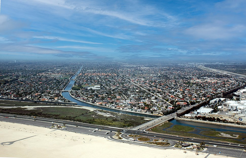 Aerial view of Huntington Beach, at Brookhurst Street & Pacific Coast Highway, in April 2008
