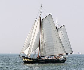 IJsselmeerTraditionalBoat.JPG