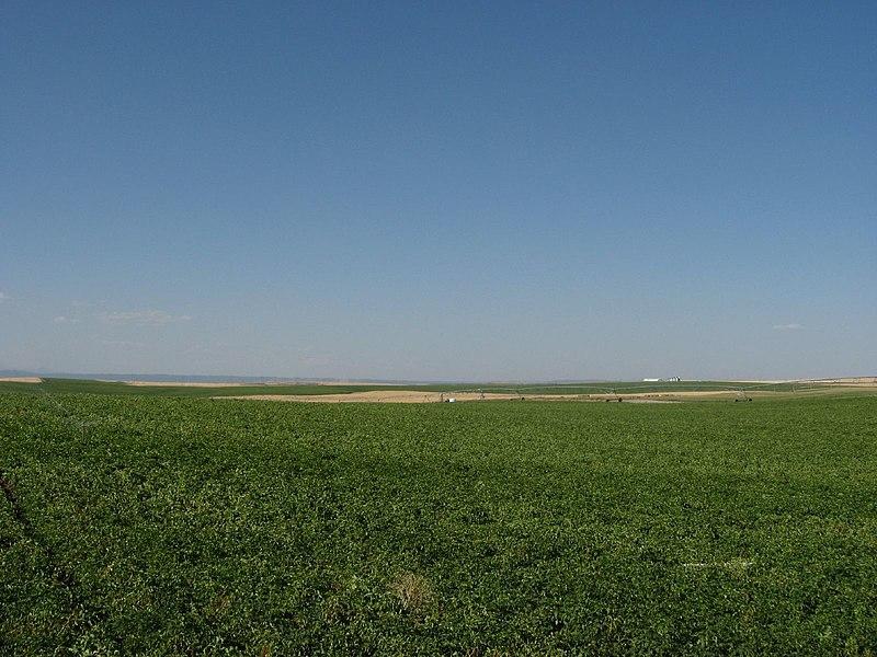 File:Idaho State Highway 33 Northeast of Rexburg, Idaho (1164635213).jpg