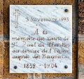 Ile Royale Chapelle plaque ext.jpg