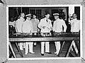 Inspectie Marinebasis Soerabaja. In het midden de Gouverneur Generaal van Nederl, Bestanddeelnr 935-0116.jpg
