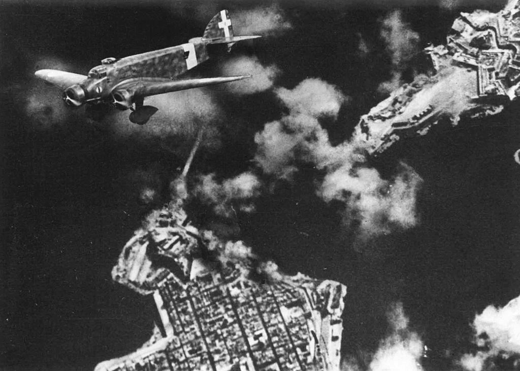 Italian bombing of the Grand Harbor, Malta