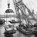 Jacht van schrijver Jan de Hartog arriveerde in Rotterdamse Merwehaven, Bestanddeelnr 918-6168.jpg