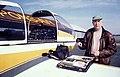 Jacques Dassié préparant une prospection aérienne à Pons.jpg