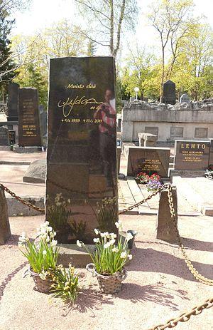 Arto Javanainen - Arto Javanainen's tombstone at Käppärä graveyard in Pori