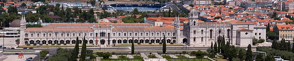 View of Mosteiro dos Jerónimos from the top of Padrão dos Descobrimentos We can also see Restelo Stadium behind the Monastery