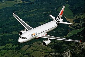 Jetstar Airbus A320 in flight (cropped 3x2).jpg