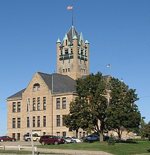 Das Johnson County Courthouse in Iowa City, seit 1975 im NRHP gelistet[1]