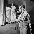 Joodse man met een hoedje op, een gebedsmantel om en voorzien van gebedsriemen (, Bestanddeelnr 255-4709.jpg