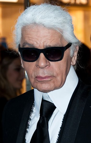 The 83-year old son of father Karl Otto Lagerfeldt and mother Elisabeth Bahlman, 175 cm tall Karl Lagerfeld in 2017 photo