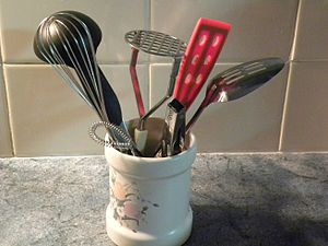 English: Container of Kitchen Utensils
