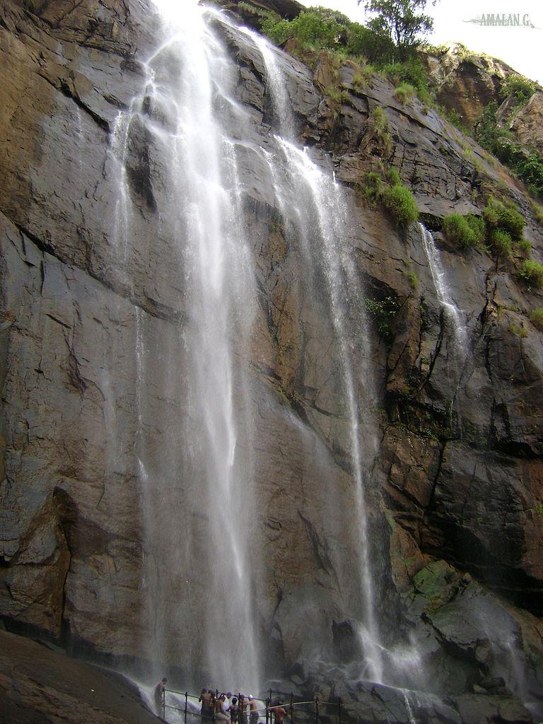 File:Kolli-Hills Water falls (\u0b95\u0bca\u0bb2\u0bcd\u0bb2\u0bbf-\u0bae\u0bb2\u0bc8).jpg - Wikimedia ...
